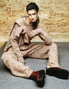 Ophelie Guillermand by Jason Kibbler for Vogue Russia September 2014 [Editorial] - Fashion Copious Foto Fashion, World Of Fashion, High Fashion, Winter Fashion, Knitwear Fashion, Editorial Fashion, Fashion Trends, Fashion Photography, Women Wear