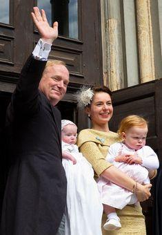 Bautizo de la segunda hija su sobrino Carlos de Borbón y Parma