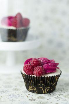 Objetivo: Cupcake Perfecto.: Que se acaba 2011... ¡¡Y yo con estos pelos!! (Cupcakes de cava con frambuesas)