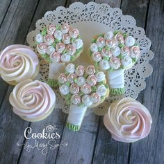 Sweet Bridal Bouquets | Cookies by Missy Sue-- copying this design for cookies for Kortnie's shower