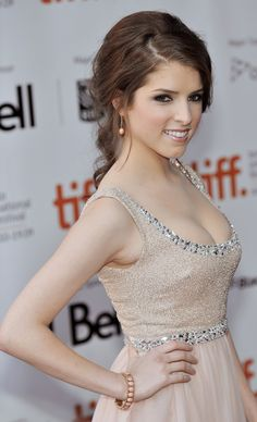Anna Kendrick... Love her, love her dress, just love everything about her!!!(: