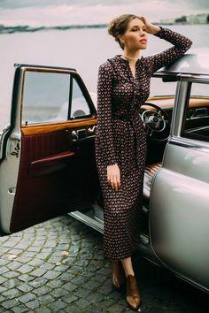 Pin by gayle kunz on fashion vestidos falda y blusa, vestidos de moda, vest 70s Fashion, Modest Fashion, Love Fashion, Fashion Dresses, Vintage Fashion, Womens Fashion, Fashion Trends, Trendy Fashion, Fashion Ideas