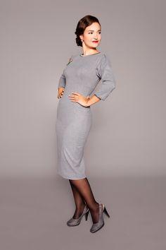 elegant 1950s grey pencil dress with satin details by MARLENES TOECHTER