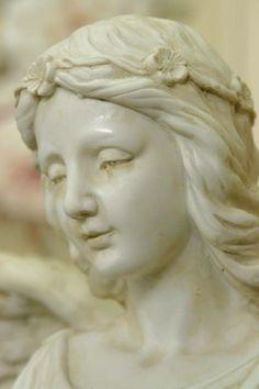 Przepiękna, bardzo wysoka figura romantycznego anioła z kwiatami / Romantic Angel with Flowers Angel Statues, Sculpture, Fictional Characters, Sculptures, Sculpting, Fantasy Characters, Statue, Carving