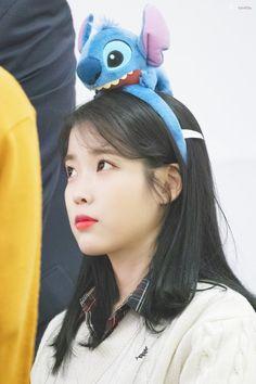 "IU 191128 ""Love Poem"" Fansign Girl Photo Poses, Girl Photos, Korean Girls Names, Pop Group, Girl Group, Easy Summer Hairstyles, K Pop Music, Iu Fashion, Girl Names"