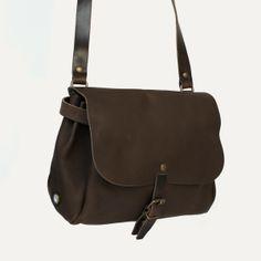 Sac postier Ariane, Kenya - Postman Ariane, Kenya. Bleu de Chauffe. Made in France #satchel #leatherbag #sac #femme