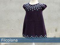 Knit dress for baby yrs, free pattern Girls Knitted Dress, Knit Baby Dress, Knitting For Kids, Crochet For Kids, Knit Crochet, Sweater Knitting Patterns, Knit Patterns, Toddler Dress, Dress Skirt