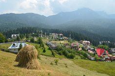 Ceahlau este o comuna din judetul Neamt, ce reuneste satele Durau, Ceahlau, Bistricioara si Paraul Mare, toate aflate in aria protejata Parcul National Ceahlau. Apropierea de muntele Ceahlau (considerat Athosul Romanesc, locul unde s-au nevoit numerosi pustnici), beneficiile balneo-climaterice, dar si reperele religioase ale zonei fac din Durau si Ceahlau statiuni de interes turistic local si national. Romania, Dolores Park, Modern, Traveling, Park, Viajes, Trendy Tree, Trips, Travel