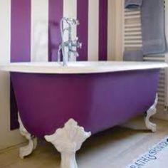 Amazing antique bathtub!