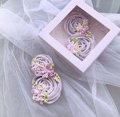 Маленькие восьмерочки тоже доступны к заказу , количество оооочень сильно ограничено ! 250 руб . Размер коробочки 15*15 см #восьмерки из хрустящего безе #подарокна8марта #8марта #тортсердце #тортсцветами #сердце #8мартаблизко #8мартаподарок #подарокжене #подарокженщине #подарокдевушке #длядевушки #девушке #тортнекрасовка #тортназаказ #торт8марта #тортцифра #тортна8марта #тортмосква #тортбуква #тортзаказ #заказторта #меренга #безе #кендибар #кэндибар #merengue #8 #любовьпя