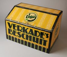 "yellow Tin ""VERKADE'S BESCHUIT"""