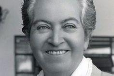 Flora Tristan, Nobel Literature, Chile, Writers, Frases, Crazy Women, Authors, Literatura, Libros