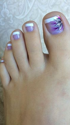 Nagel Kunst 29 Ideas French Pedicure designs toenails with pretty toenail art # designs # pr Pretty Toe Nails, Cute Toe Nails, Fancy Nails, Gel Nails, Pretty Toes, Purple Toe Nails, Nail Polish, Purple Toes, Coffin Nails