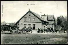 Akershus fylke Follo SKI STATION med mange hestedrosjer og tog  Utg HPB stpl. Sydbanens Postexp  1907