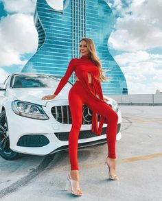 Zerion - Ngjyra e Kuqe🎀 - E Bukura Cute Shoes Heels, Cover Model, Bellisima, Luxury Fashion, Versace Fashion, Luxury Beauty, High Fashion, Miu Miu, Editorial Fashion