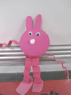 I found this craft on the Highlights website. It is really cute and only takes a little prep time. (Depending on the grade level you are te. Easter Arts And Crafts, Easter Projects, Fun Crafts For Kids, Projects For Kids, Art For Kids, Art Projects, Classroom Crafts, Preschool Crafts, Classroom Ideas