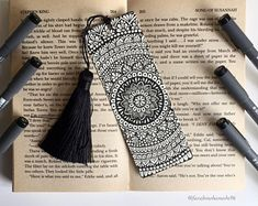 Mandala bookmark Hand drawing Size of this bookmark is : cm / If you have more questions please feel free to contact me Doodle Art Drawing, Mandala Drawing, Art Drawings Sketches, Mandala Book, Mandala Artwork, Creative Bookmarks, Diy Bookmarks, Drawing Scenery, Free Hand Drawing