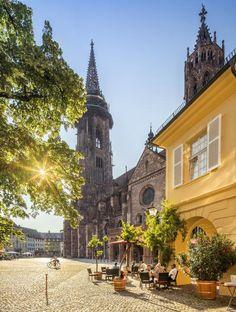 Freiburg: Diese Erlebnisse dürfen Sie sich nicht entgehen lassen: Augustinerplatz Thai Restaurant, Black Forest, Good Vibes, Geo, Barcelona Cathedral, Germany, Tower, Mansions, House Styles