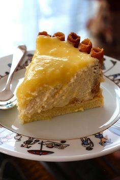 Tira mis un citron Bon Dessert, Dessert Aux Fruits, Köstliche Desserts, Delicious Desserts, Desserts Citron, Charlotte Tiramisu, Cheesecake Tarts, Specialty Cakes, Sweet Cakes