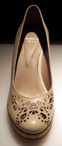 Paola Suhonen, IvanaHelsinki Finland, shoes