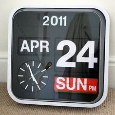 flip clock calendar - if you find this somewhere, write me: oravecz.nora@gmail.com  thx! :)