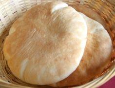 Esta receta de pan de kebab la necesitaras para hacer todas nuetras otras recetas, aunque también puedes comprar el pan ya listo.