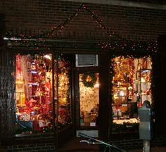 christmas window displays ideas for home | The City Sweet Tooth » Gifts on Greenwich Ave.