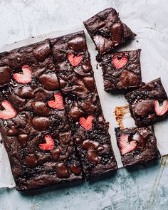 Chewy Brownies, Blondie Brownies, Strawberry Brownies, Strawberry Recipes, Strawberry Jam, Brownie Recipes, Dessert Recipes, Desserts, Brownie Packaging