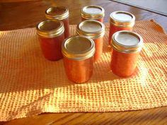MaryJanesFarm Farmgirl Connection - canning (crab apple butter recipe ) Canning Food Preservation, Preserving Food, Crabapple Butter Recipe, Crab Apple Recipes, Recipes Using Fruit, Crab Apples, Freezing Fruit, Apple Jam, Canning Pickles