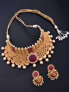 Choker Type Necklace Set with Gold Plating