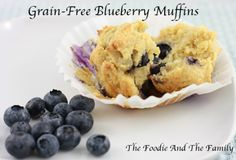 Fast Paleo Blueberry Muffins - Paleo Recipe Sharing Site - I added a couple tablespoons of melted coconut oil to the batter. Primal Recipes, Raw Food Recipes, Great Recipes, Favorite Recipes, Baking Recipes, Gluten Free Blueberry Muffins, Blue Berry Muffins, Almond Muffins, Paleo Sweets