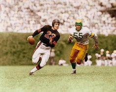I don't know the teams, but a great photo. – Daily Sports News Bears Football, Football 101, Football Images, Nfl Football Players, Packers Football, Football Uniforms, Football Pictures, School Football, Sport Football