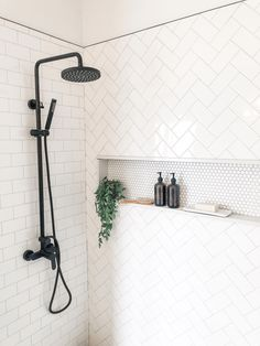 Salle de bain Lovely Industrial Farmhouse Bathroom ~Don't be Missed! Bad Inspiration, Bathroom Inspiration, Bathroom Renos, Bathroom Pics, Bathroom Renovations, Small Master Bathroom Ideas, Bathroom Cabinets, Master Bathroom Shower, Bathroom Tile Showers