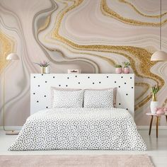 Marble newness is coming your way and we can't get enough. From pastel pink swirls enriched with golden accents to vibrant marble layers and more neutral colour schemes, there is a marble wallpaper to suit every style in our collection! #marbleaesthetic #marblebathroom #marblewall #bedroomdecor #homeinspo