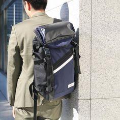最近はスーツにもリュックを合わせるオシャレさんが増えてますね #mobac #モバック #リュック #バックパック #通勤バッグ #通学バッグ #ビジネスバッグ #スーツコーデ