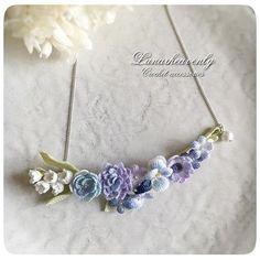 お花をたくさん集めたネックレス。 5/29リボンマルシェへ。 #crochet #crochetflower #lilyofthevalley #pansy #dahlia #anemone #necklace #レース編み #かぎ針編み #レース編みアクセサリー #lunarheavenly #リボンマルシェ
