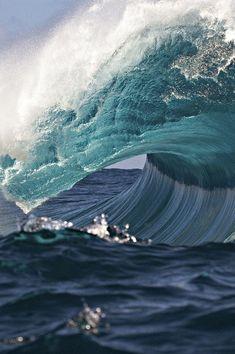 great photography of sea, surf, waves, ocean Water Waves, Sea Waves, Sea And Ocean, Ocean Beach, Fuerza Natural, Am Meer, Pics Art, Ocean Life, Belle Photo
