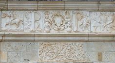 Chateau of Montal : The Museum of Decorative Arts in Paris agreed to give back to Maurice Fenaille the 32-meters-long-frieze of the Chateau of Montal