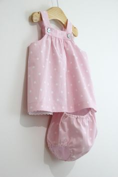 Diy Tutorial Y Patrones Gratis Vestido Y - Diy Crafts Sewing Baby Clothes, Baby Sewing, Diy Clothes, Frocks For Girls, Little Girl Dresses, Girls Dresses, Baby Boy Fashion, Kids Fashion, Moda Kids