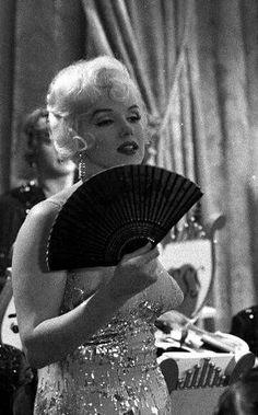 'Some like it hot' ('Con faldas y a lo loco'), 1959. Dir: Billy Wilder. Act: Marilyn Monroe, Jack Lemmon, Tony Curtis, George Raft, Pat O' Brien, Joe E. Brown.