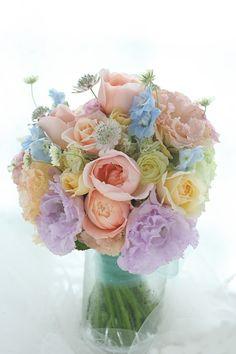 クラッチブーケ 水色のドレスに ホテルニューオータニ様へ : 一会 ウエディングの花