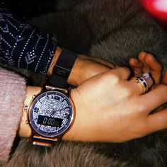 No photo description available. Cute Couples Goals, Couple Goals, Couple Hands, Shadow Pictures, Hands Together, Fake Photo, Girls Dpz, Photo Instagram, Girls Eyes