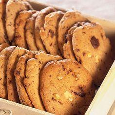 Csokis-karamelles keksz Chips, Potatoes, Minden, Cookies, Vegetables, Eat, Biscotti, Food, Crack Crackers