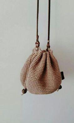 How To Crochet A Shell Stitch Purse Bag - Crochet Ideas Crotchet Bags, Crochet Beach Bags, Bag Crochet, Crochet Backpack, Crochet Shell Stitch, Crochet Handbags, Crochet Purses, Love Crochet, Knitted Bags