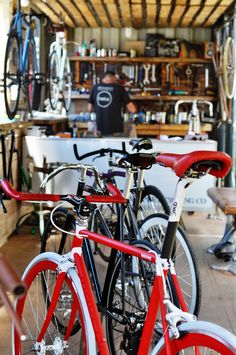 Whippet Cycling - cycle shop built in a shipping container Bike Shops, Bicycle Shop, New Zombie, Innovative Ideas, Bike Ideas, Bike Storage, Creative Industries, Whippet, Custom Bikes