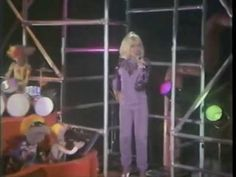 ▶ Debbie Harry & The Muppet Band ~ Call Me - YouTube