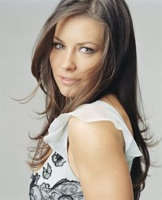 Evangeline Lilly - Added to Beauty Eternal - A collection of the most beautiful women. Divas, Most Beautiful Women, Beautiful People, Nicole Evangeline Lilly, Beauty And Fashion, Elegantes Outfit, Jolie Photo, Celebrity Beauty, Beautiful Actresses