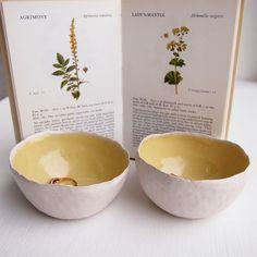 Handgemachte gelbe Runde Keramikring Schale, gelbe Keramikschale, Keramik Schmuck Lagerung, gelbe Keramik Schüssel, Fangnetz, gelben Ring Gericht,