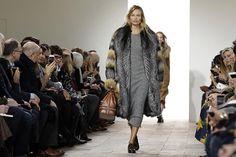 Todos los diseños de la colección Michael Kors Otoño-Invierno 2015/2016 de la Semana de la Moda de Nueva York...