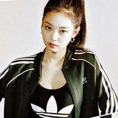 ueen Jennie in Adidas . . . #adidas #blackpink #bts #korea #blackbangtan #lizkook #bbmas #jungkook #justinbieber #taylorswift #amas